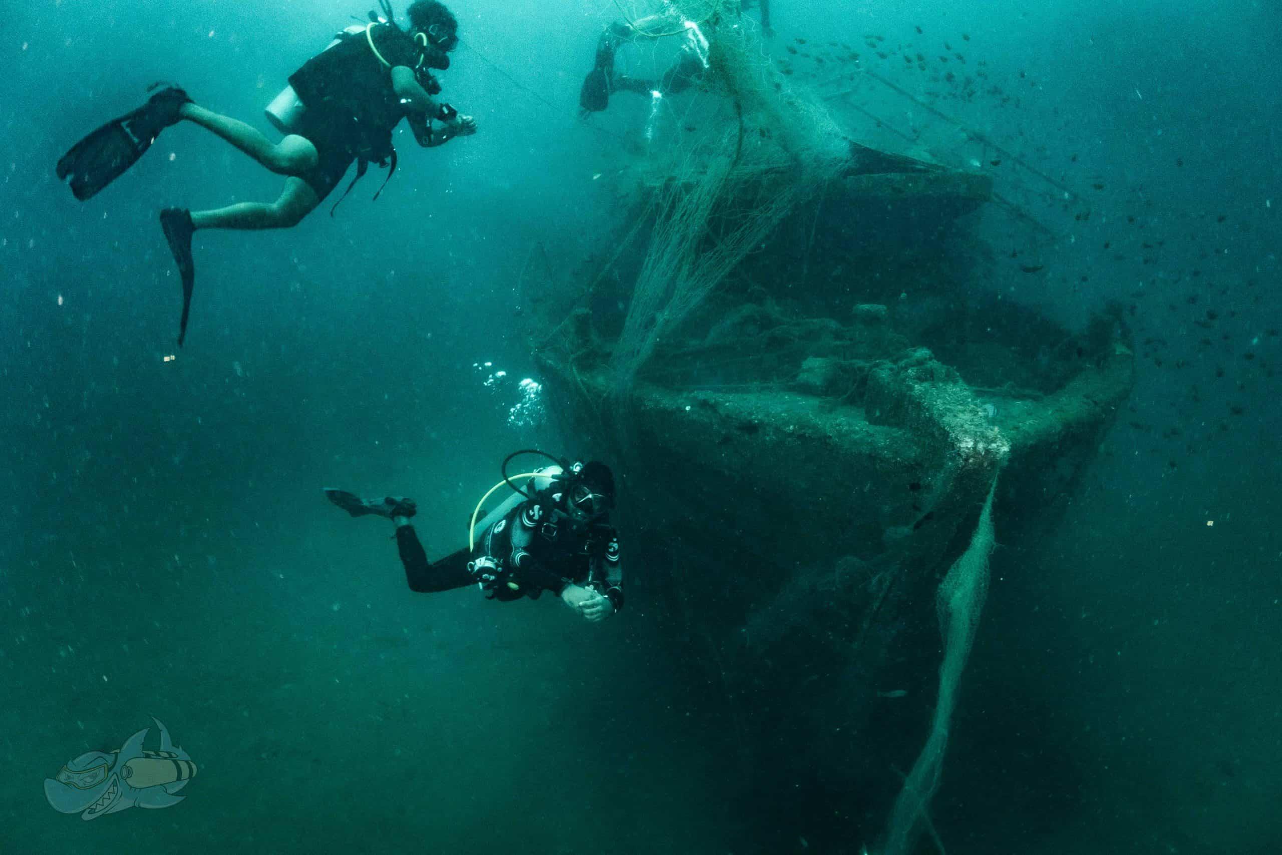 Non-penetration diving at the trawler wreck